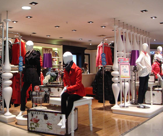 广州服装店装修风水